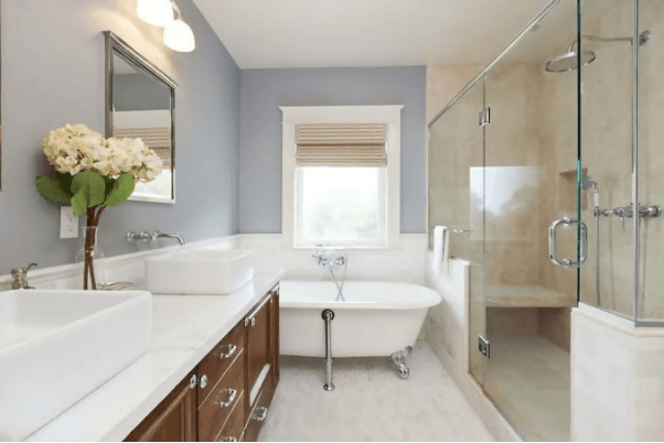 Bathtubs And Modern Showers